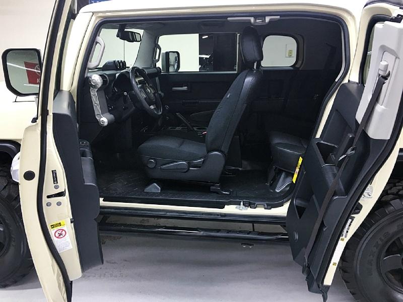 Toyota FJ Cruiser 2009 price $14,995