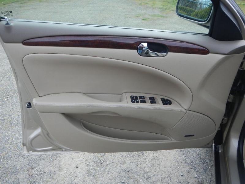 BUICK LUCERNE 2006 price $7,995