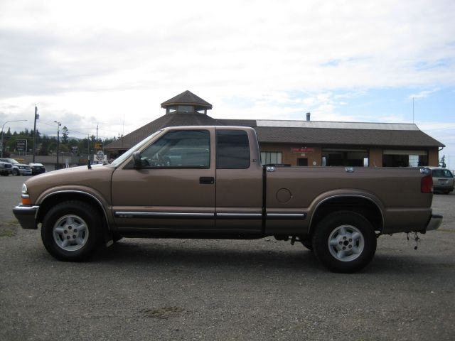 CHEVROLET S-10 PICKUP 2002 price $8,995