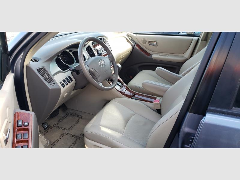 Toyota Highlander 2007 price $8,997
