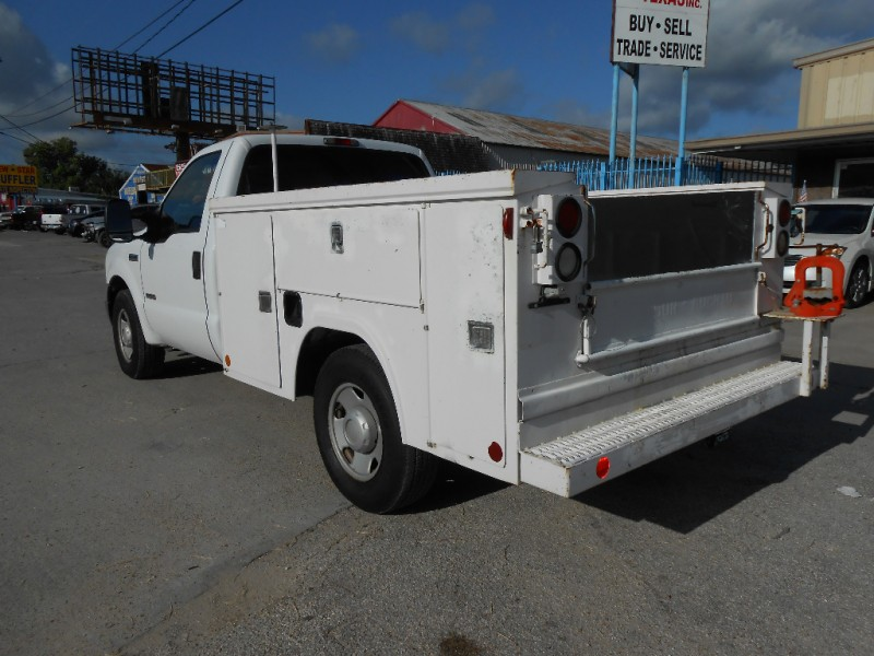 Ford Super Duty F-250 2005 price $6,900