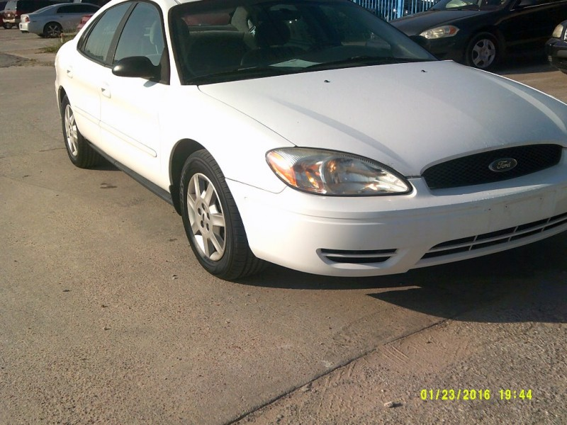 Ford Taurus 2006 price $3,500