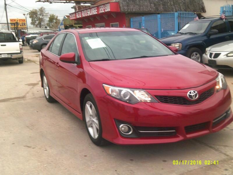 Toyota Camry 2014 price $13,900