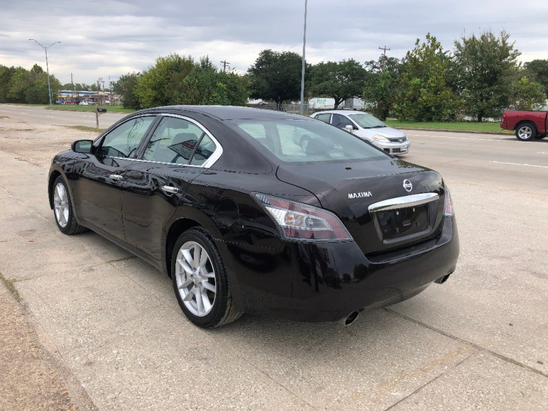 Nissan Maxima 2014 price $11,900