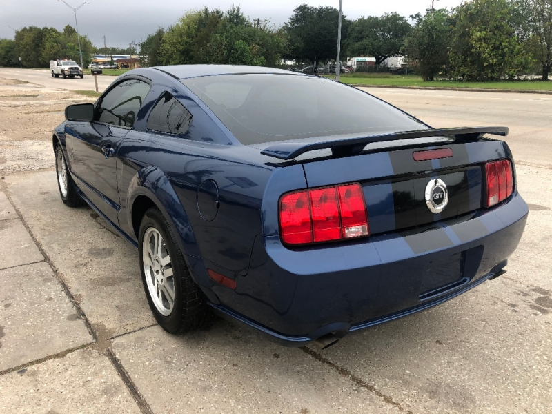 Ford Mustang 2006 price $5,900
