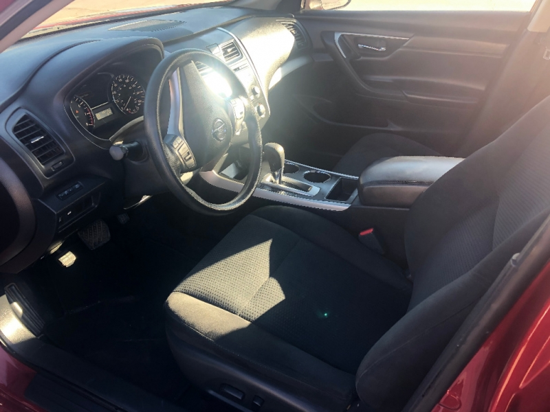 Nissan Altima 2015 price $9,900