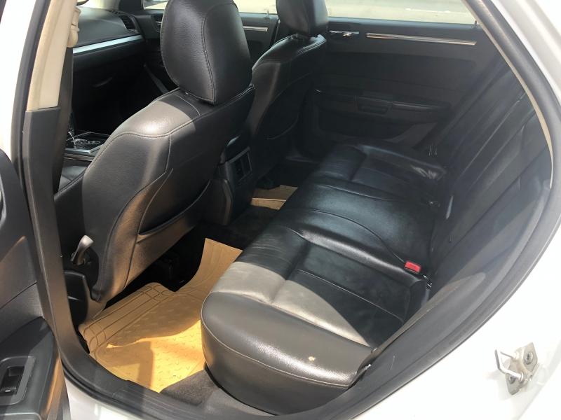 Chrysler 300 2010 price $5,900