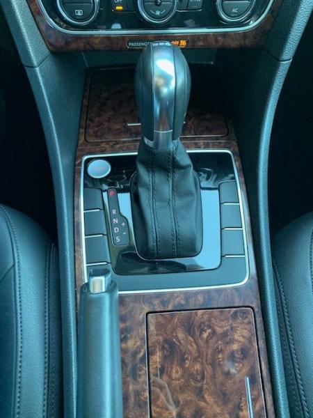 Volkswagen PASSAT SEL TDI 2012 price $13,990