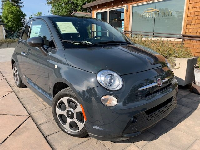 Fiat 500 2017 price $8,990