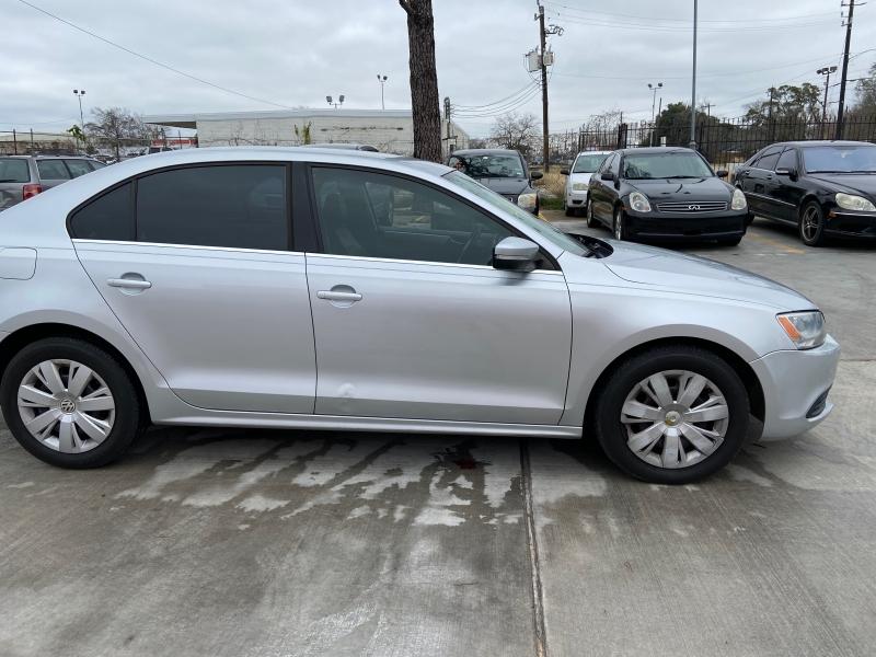 Volkswagen Jetta Sedan 2013 price $5,250