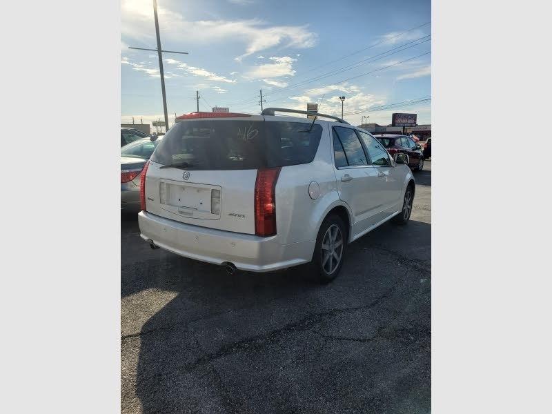 Cadillac SRX 2004 price $3,900