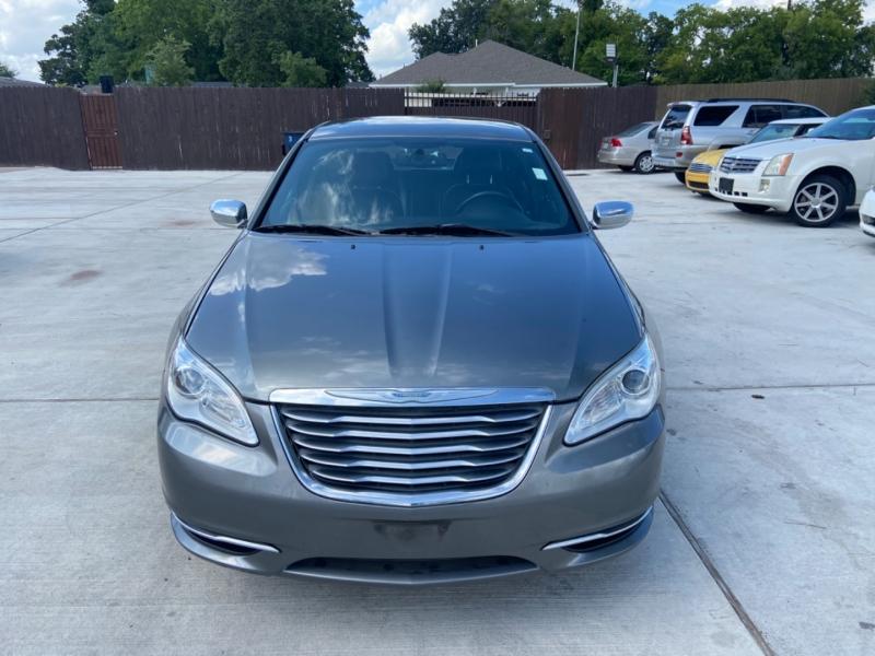 Chrysler 200 2012 price $4,800