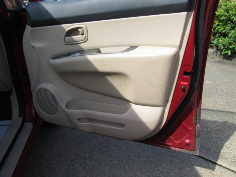 Kia Rondo 2008 price $3,495