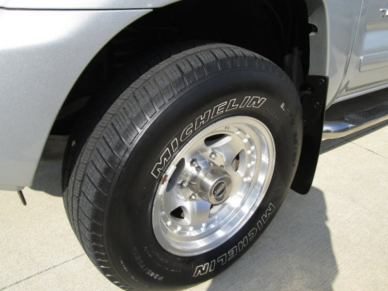 Toyota Tacoma 2012 price $17,860