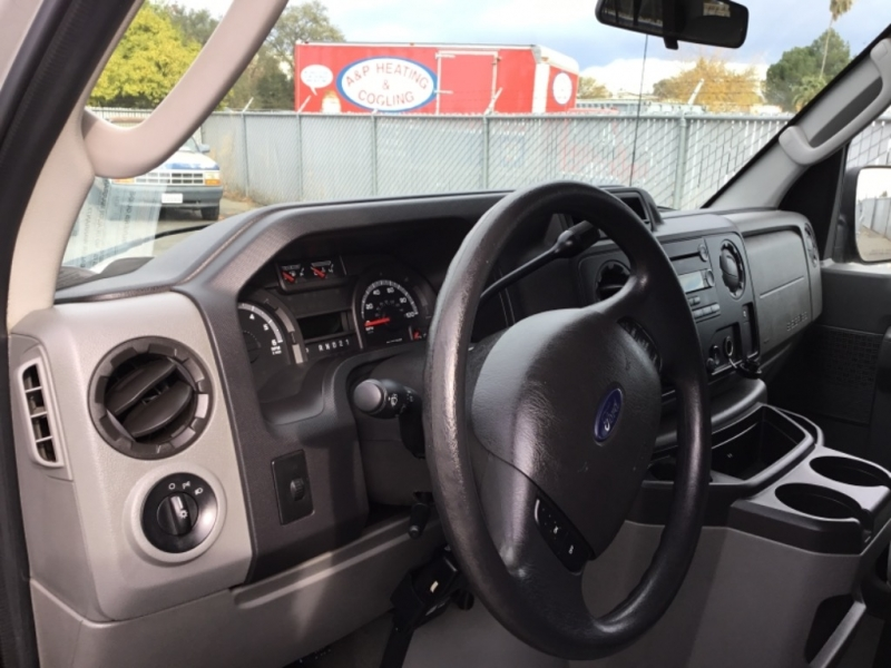 Ford Econoline Wagon 2009 price $8,795
