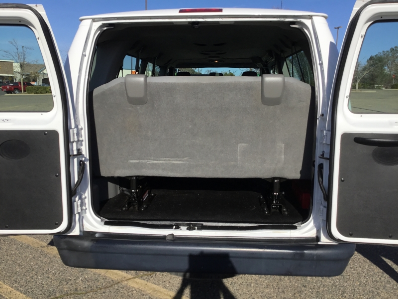 Ford Econoline Wagon 2011 price $16,995