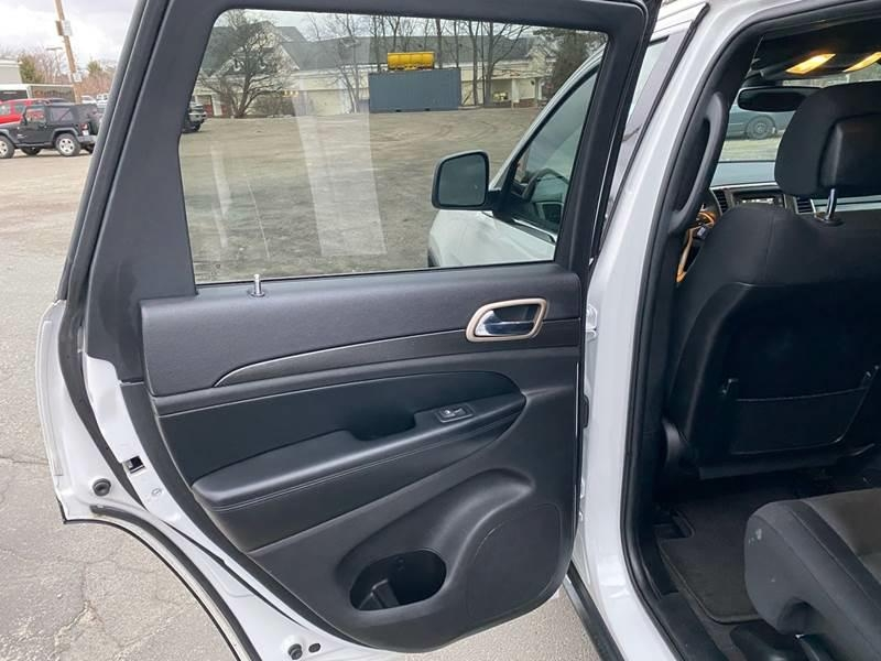 Jeep Grand Cherokee 2017 price $20,287