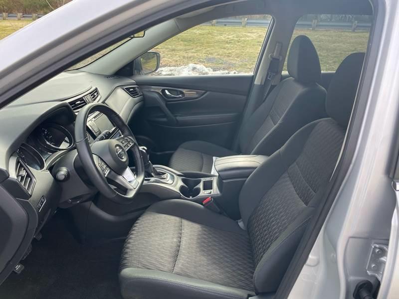 Nissan Rogue 2018 price $16,950