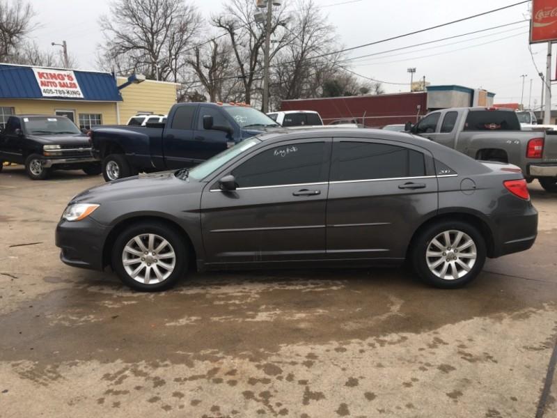 Chrysler 200-Series 2014 price $8,277