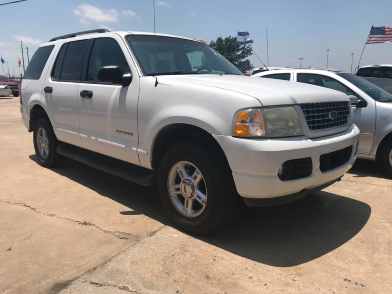 Ford Explorer 2004 price $1,777