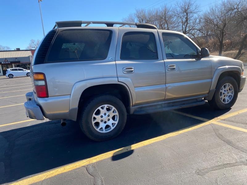 Chevrolet Tahoe 2001 price $2,695