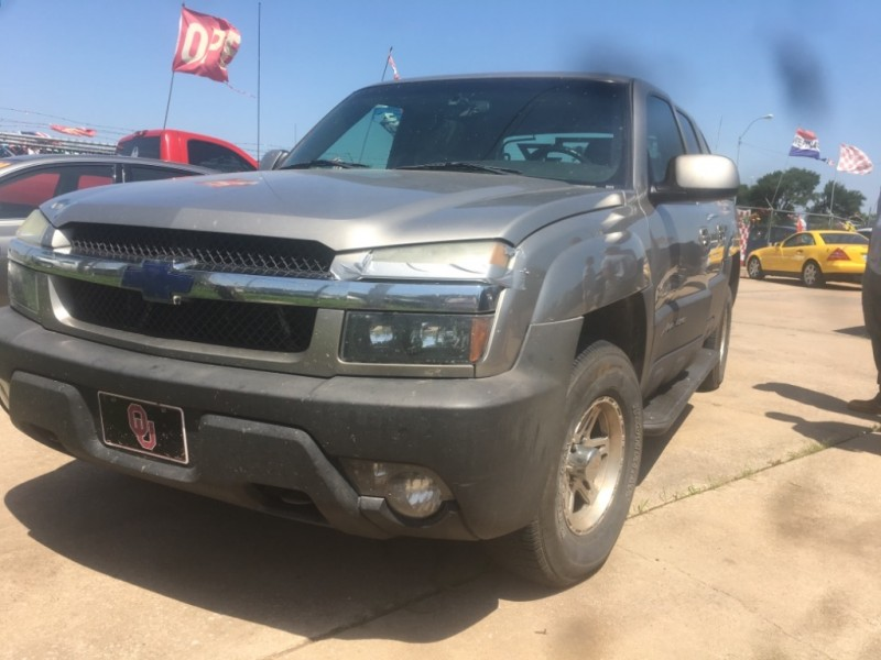 Chevrolet Avalanche 2003 price $3,977