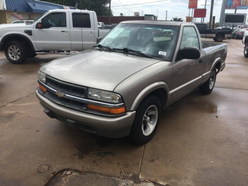 Chevrolet S-10 2000 price $3,477