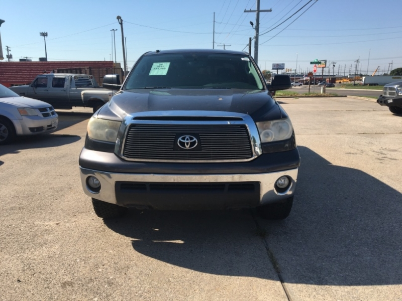 Toyota Tundra 4WD Truck 2011 price $11,877