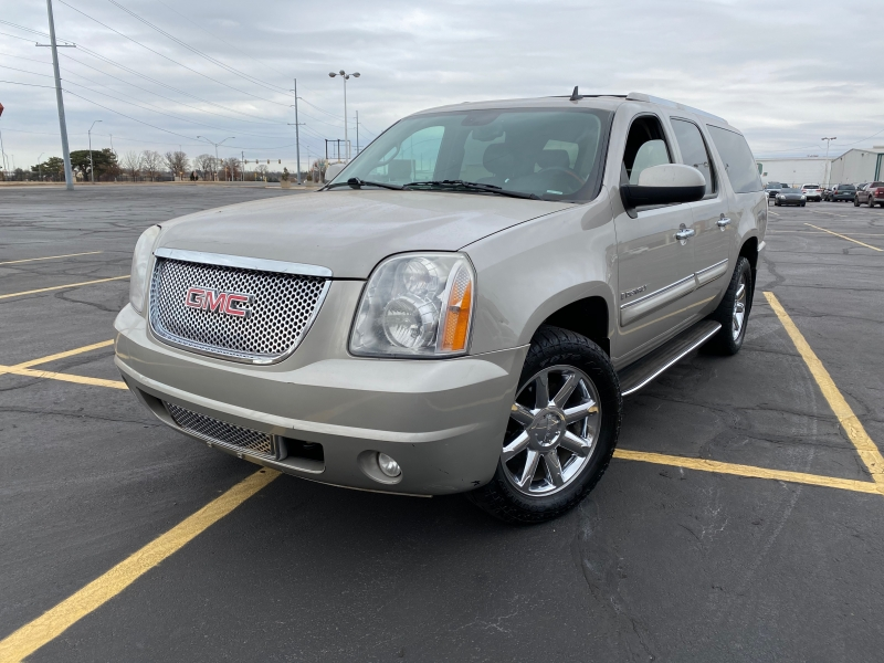 GMC Yukon XL Denali 2008 price $3,995