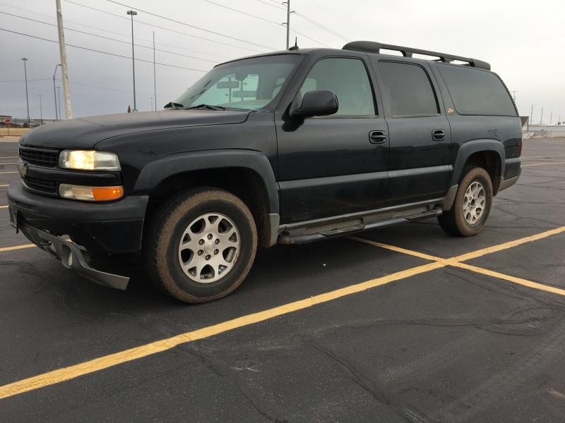 Chevrolet Suburban 2003 price $2,895