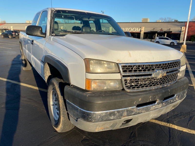 Chevrolet Silverado 2500HD 2005 price $7,995