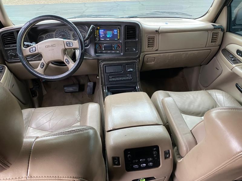 GMC Yukon XL Denali 2004 price $6,995