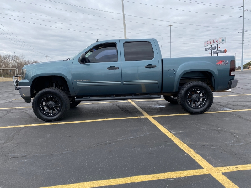 GMC Sierra 1500 2009 price $11,995
