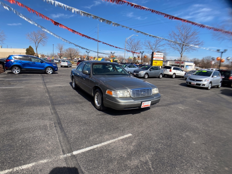 Ford Crown Victoria 2000 price Call for Pricing.