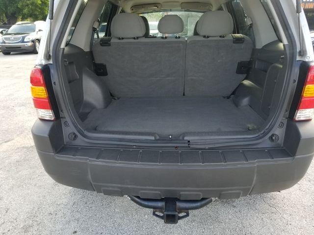 Ford Escape 2006 price $3,500