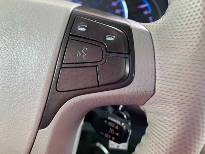 Toyota Sienna 2013 price $14,995