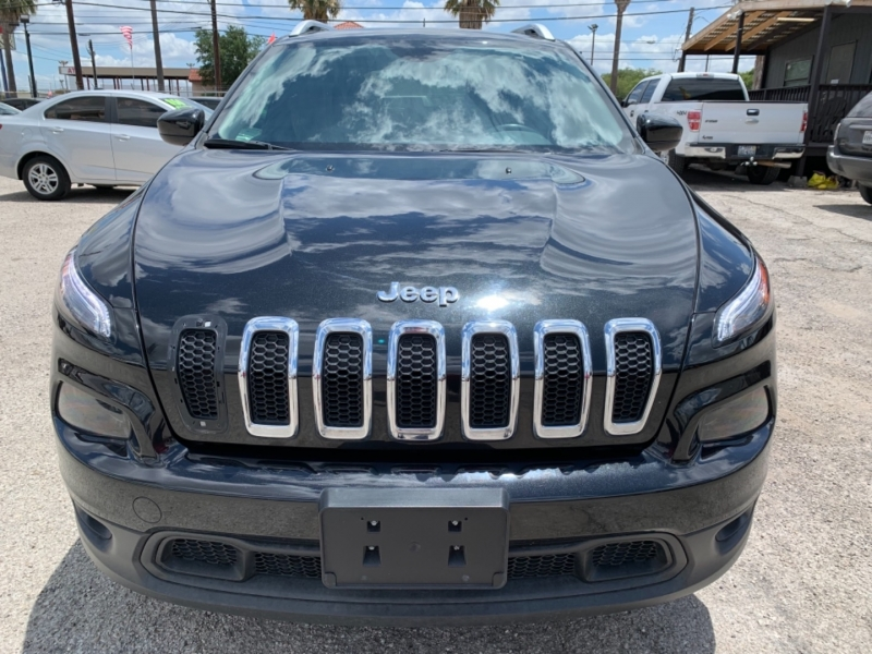 Jeep Cherokee 2015 price $13,995