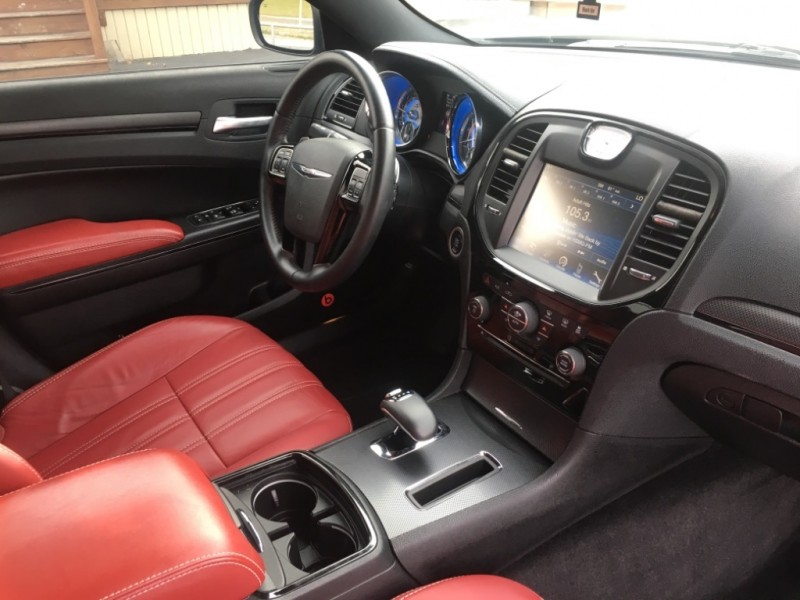2013 chrysler 300 sedan 300s red interior beats by dre 79 000 miles clean priced to sell. Black Bedroom Furniture Sets. Home Design Ideas