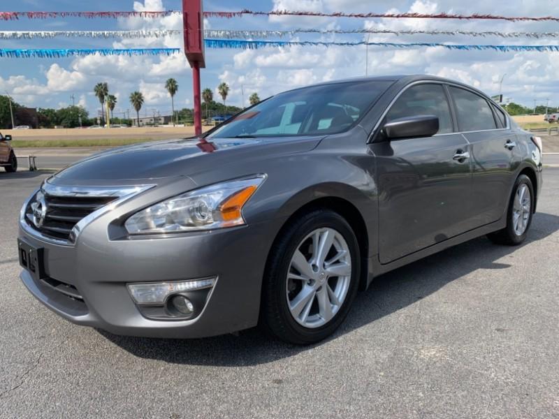Nissan Altima 2015 price $8,950