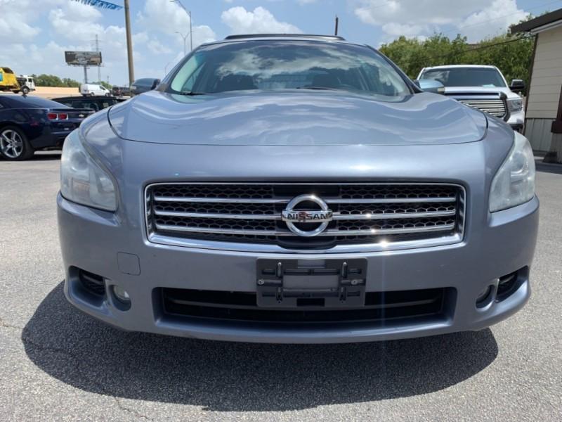 Nissan Maxima 2011 price $9,450