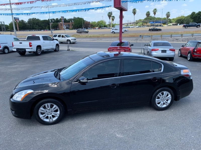 Nissan Altima 2010 price $4,450
