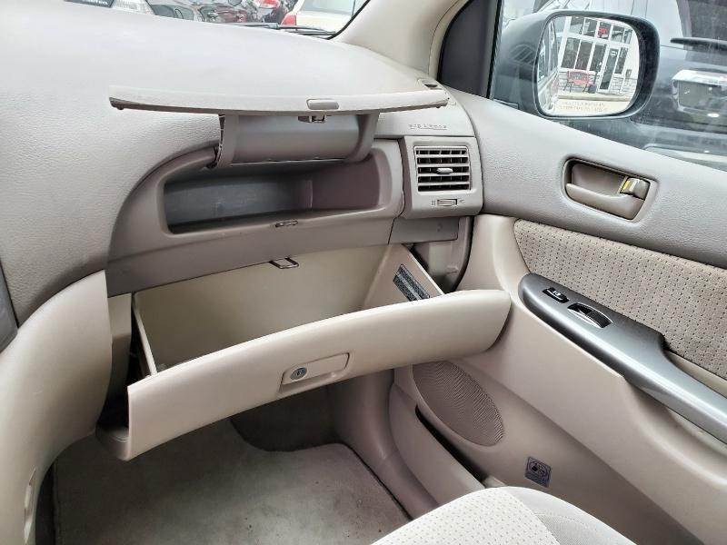 Toyota Sienna 2007 price $10,995