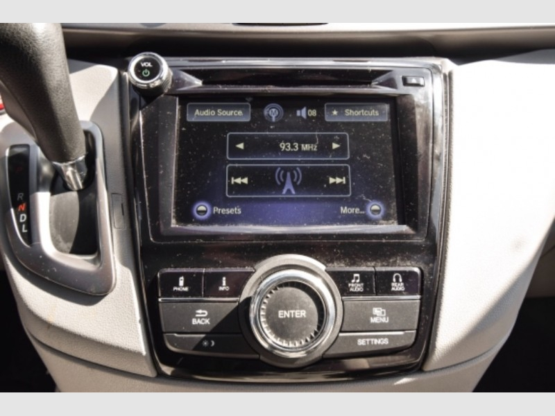 Honda Odyssey 2016 price $21,995