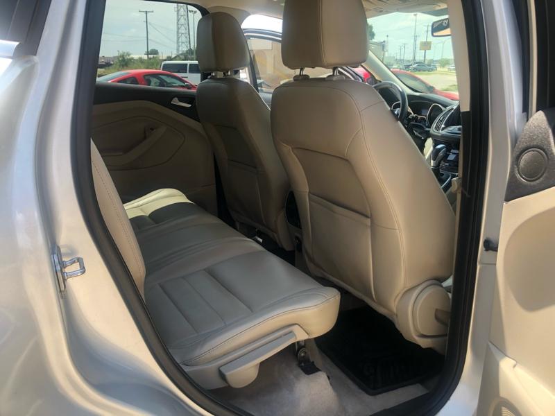 Ford Escape 2013 price $6,392
