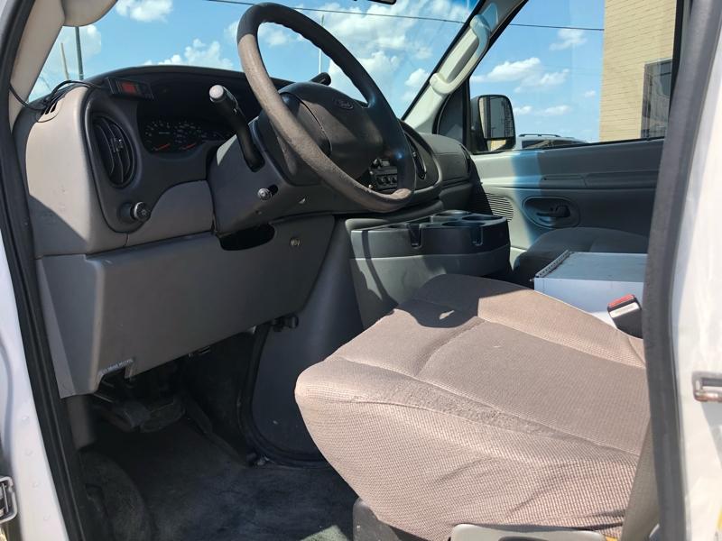 Ford Econoline Cargo Van 2006 price $3,994