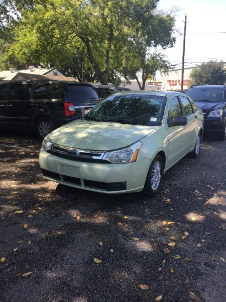 Ford Focus 2010 price $3,995