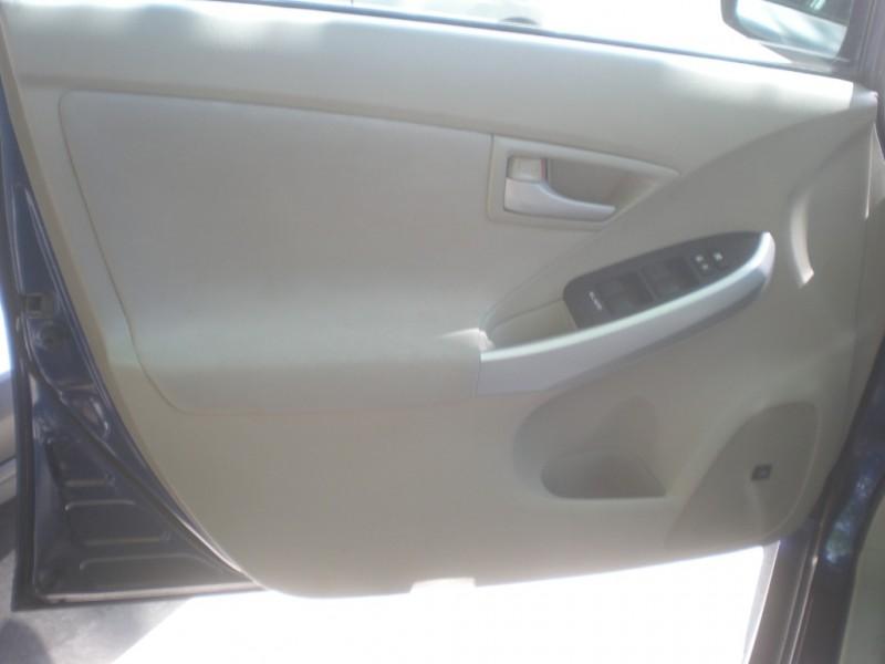 Toyota Prius 2011 price $5,998