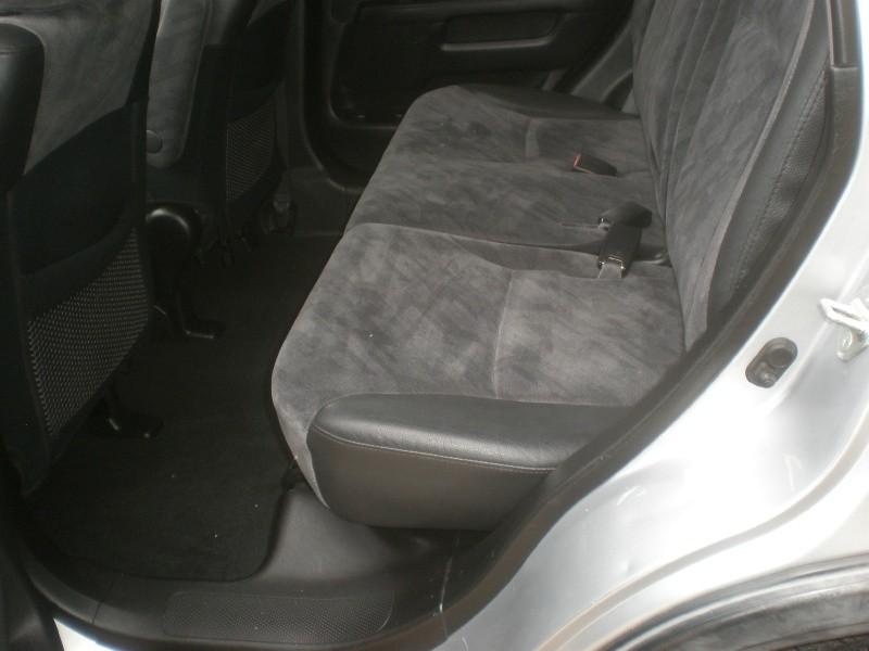 Honda CR-V 2004 price $4,995