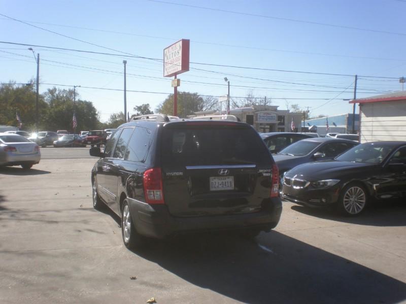 Hyundai Entourage 2007 price $4,498