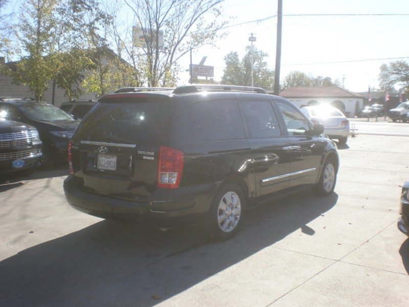 Hyundai Entourage 2007 price $5,498